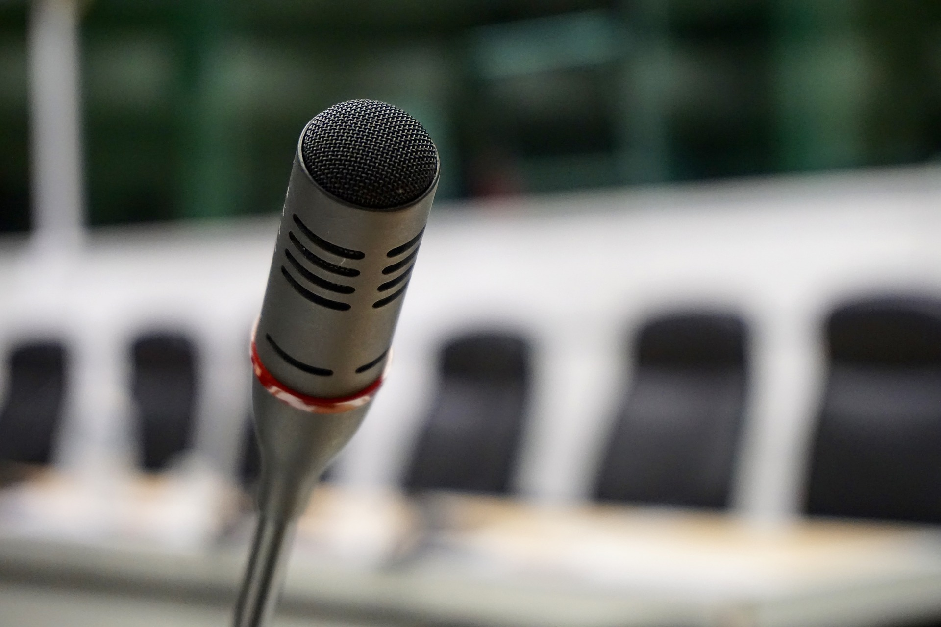 microphone-704257_1920